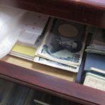 自己破産をするとタンス預金の貯金分も取り上げられる?